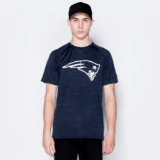 New Era New England Patriots T-Shirt Engineered Raglan blau