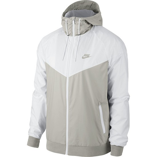 running shoes on feet shots of top design Nike Kapuzenjacke Windrunner