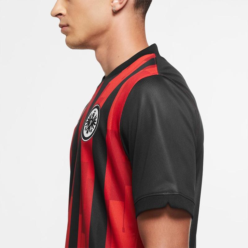 Eintracht Frankfurt Trikot 2021 16