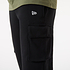 New Era Jogginghose Outdoor Utility Cargo schwarz (3)
